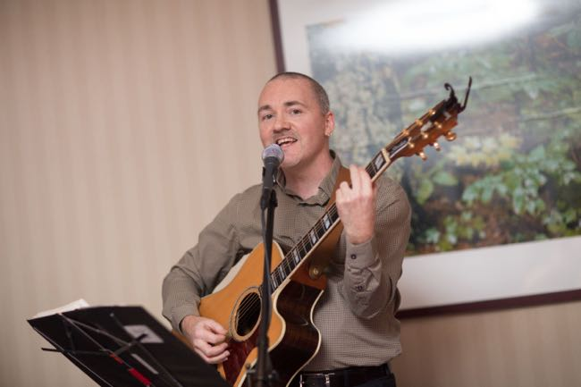 Dave Milliken singing at the wedding of Diana Habicht
